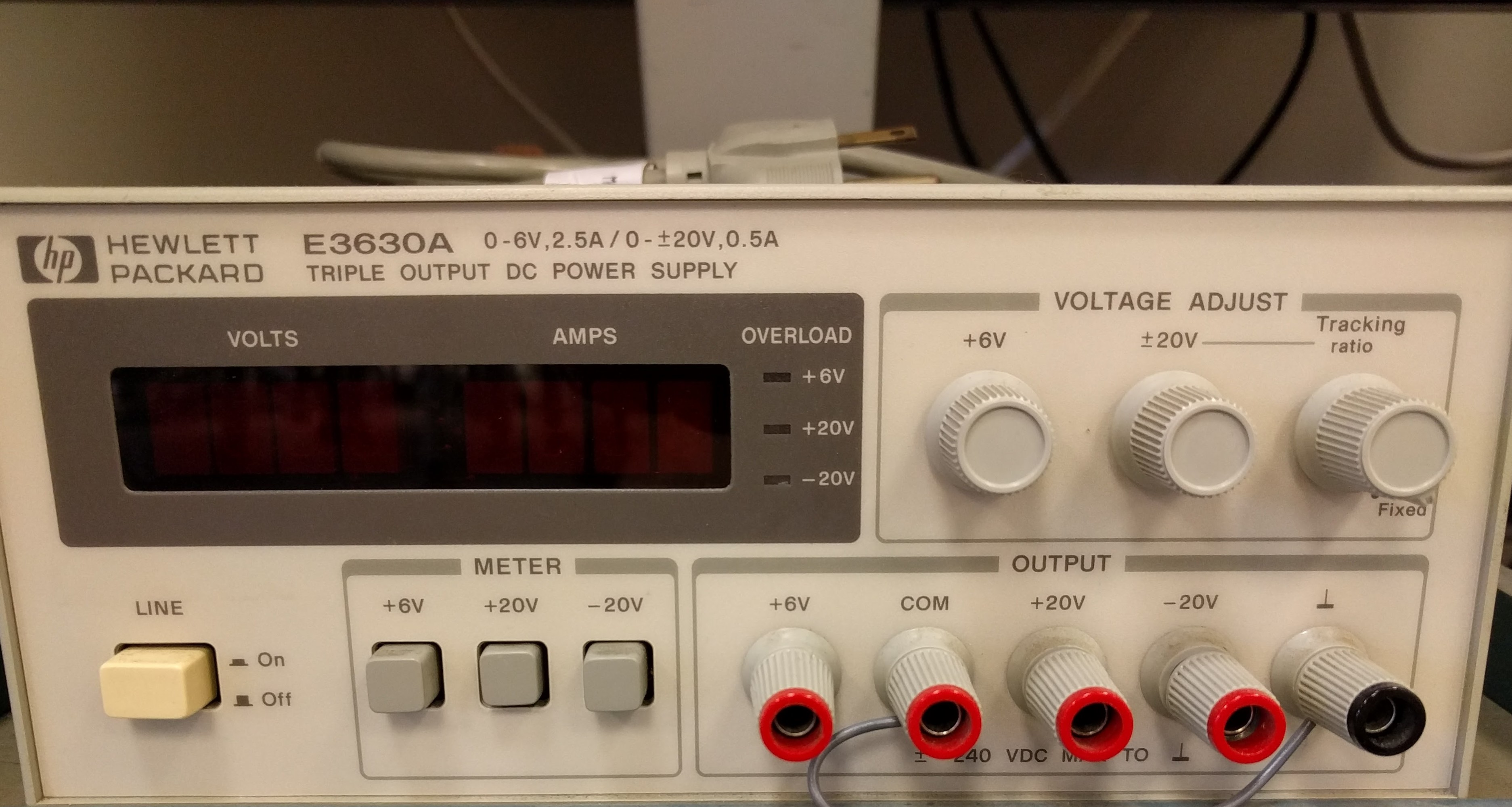Hewlett Packard DC Power Supply